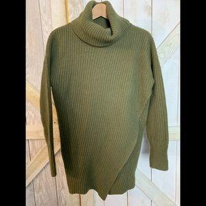 Banana Republic oversized sweater size M